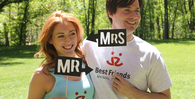 Kelly and Brian Kidd marry at Best Friends Animal Sanctuary